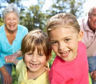 """Rodzinny piknik """"Łączymy Pokolenia"""" przyciągnął tłumy [WIDEO]"""