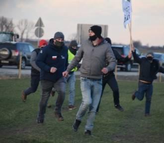 Obwodnica Wrześni została otwarta. Uroczystość zakłócili rolnicy z Agrounii