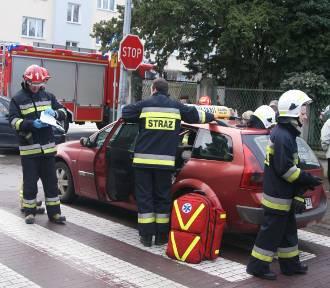 Wypadek w Kaliszu. Zderzenie aut na skrzyżowaniu Polnej i Młynarskiej. ZDJĘCIA