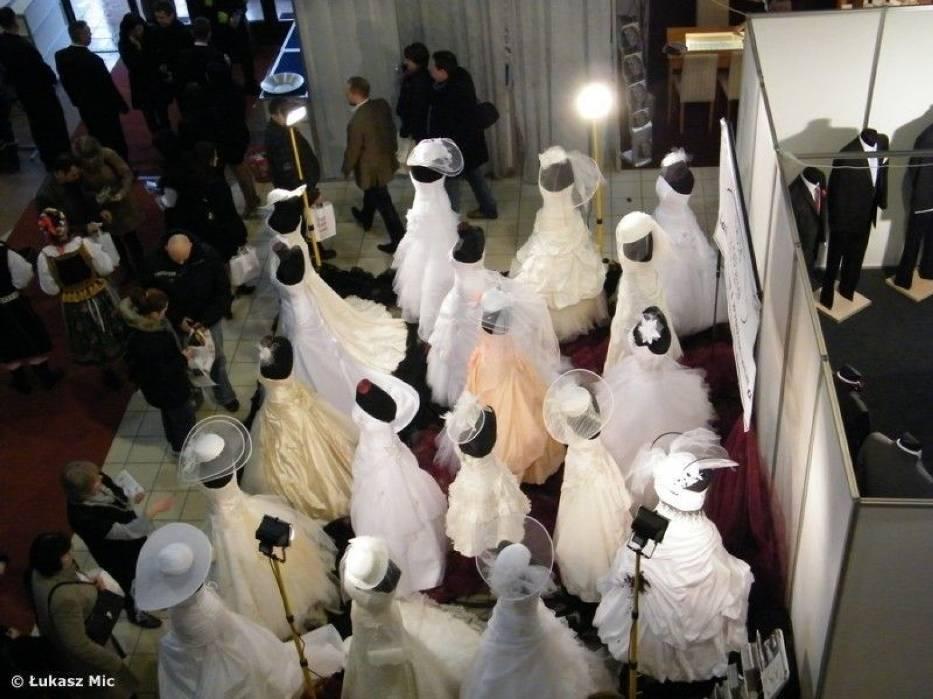 Na targach nie mogło zabraknąć kolekcji sukni ślubnych