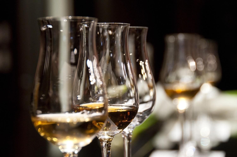 Gdzie kupić wino węgierskie w Warszawie - sklepy węgierskie