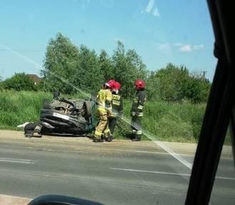 Wypadek w Wołczkowie. Jedna osoba została ranna. Utrudnienia na drodze