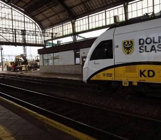 Wichura na Dolnym Śląsku sparaliżowała kolej. Ogromne opóźnienia pociągów