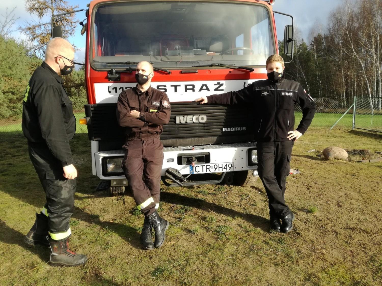Strażacy ochotnicy OSP Bydgoszcz - Fordon przy Iveco z OSPZawały w gminie Obrowo