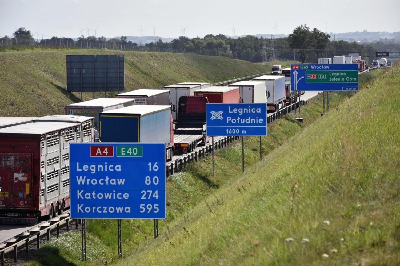 Uwaga kierowcy. Mnóstwo utrudnień na drogach Dolnego Śląska