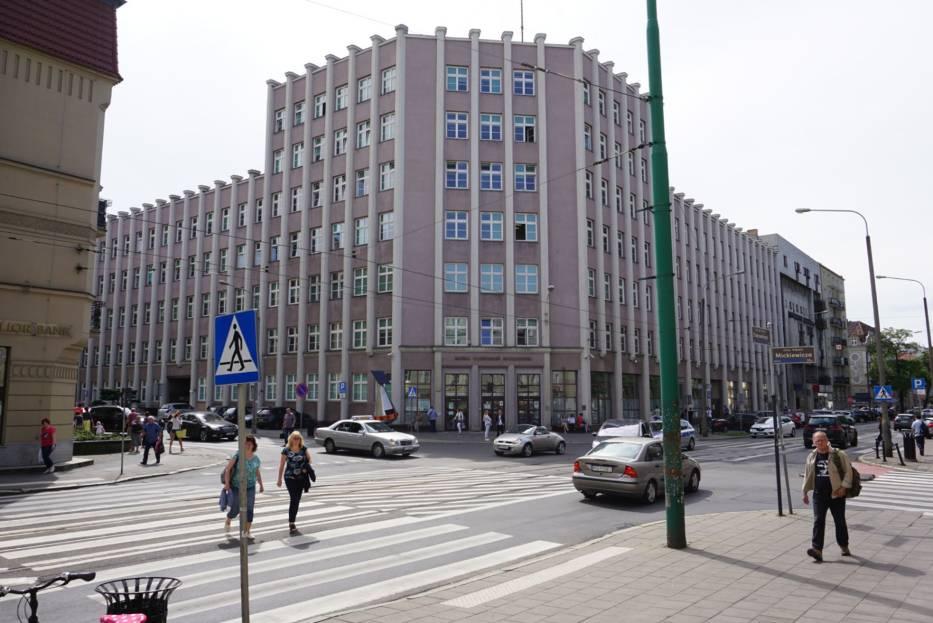 Zamykają torowisko na Dąbrowskiego