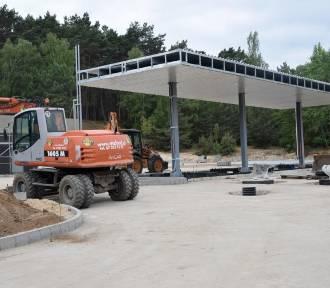 Chodzież: Trwa budowa stacji paliw przy drodze krajowej nr 11 [FOTO]