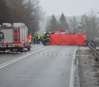 Śmiertelny wypadek koło Żukowa. Zginęły 2 młode osoby [wideo, zdjęcia]