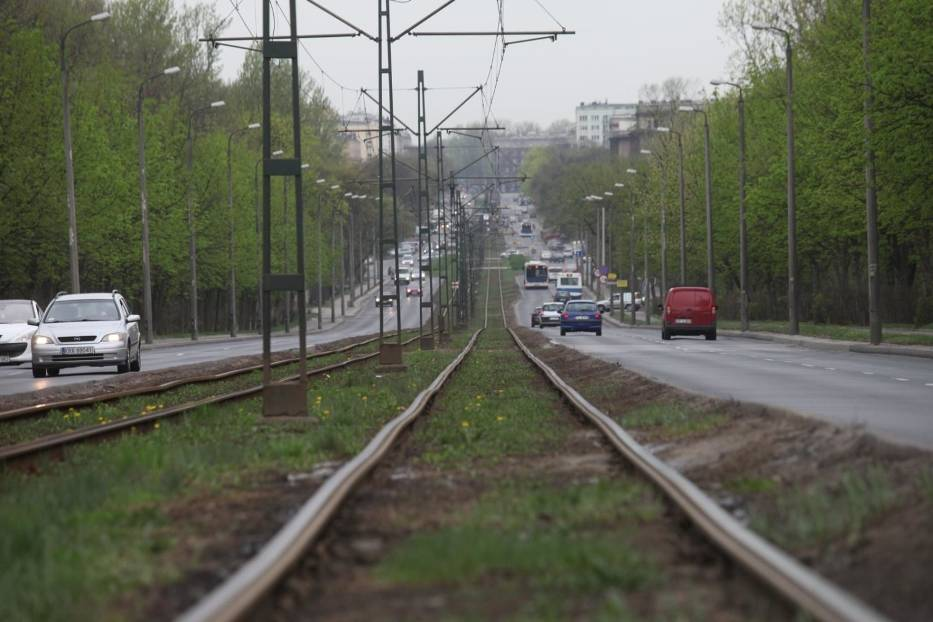 Modernizacja torowisk tramwajowych wraz z infrastrukturą towarzyszącą - 50,3 mln zł, z czego 43,2 mln zł to wpływy ze śródmiejskiej strefy płatnego parkowania