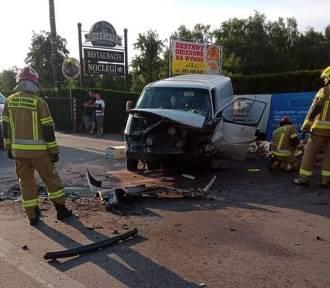 Wypadek w Szałem pod Kaliszem. Cztery osoby trafiły do szpitala. ZDJĘCIA