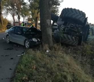Zderzenie ciągnika z autem osobowym [wideo]