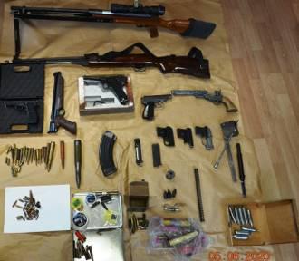 Limanowa. Miał w domu nielegalną broń i amunicję, groził śmiercią swoim rodzicom