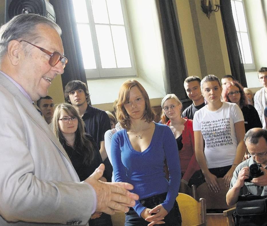 Spotkanie z Zanussim w I LO cieszyło się zainteresowaniem