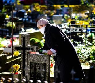 Jak dojechać na cmentarze samochodem i MPK we Wszystkich Świętych?