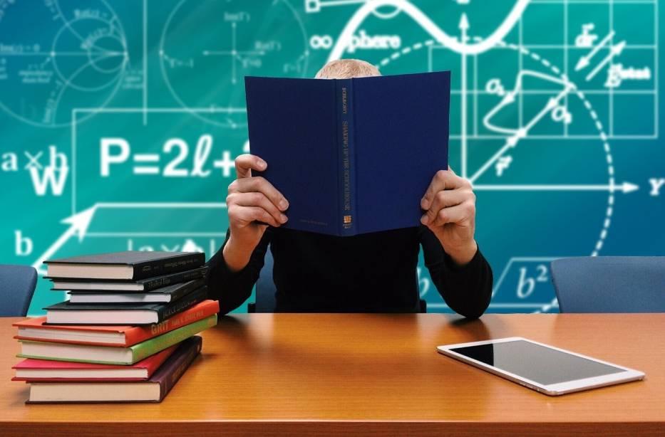 Uczniowie jak przestępcy, czyli RODO w szkołach. Nie mogą się podpisać pod pracą lub klasówką