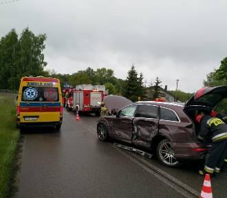 Wypadek w Pstrokoniach. Zderzenie dwóch samochodów - aktualizacja