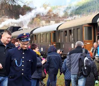 Pociąg z Piłsudskim przystanął w Dobrej [ZDJĘCIA]