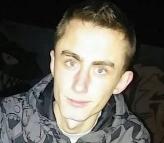 Zaginął Adam Skórka. 22 -latek ostatnio widziany był w gminie Warta. Rodzina prosi o pomoc[FOTO]
