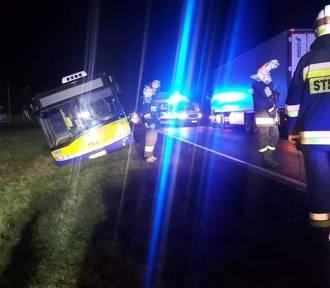 Wypadek! Samochód ciężarowy zderzył się z autobusem