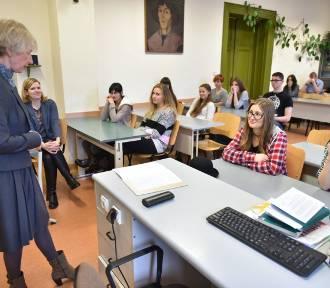 Po naborze w Toruniu. Prawie 800 uczniów bez szkoły!