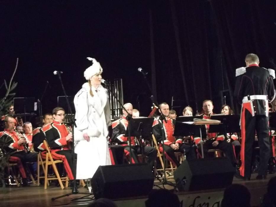 Kolędowy koncert noworoczny Reprezentacyjnej Orkiestry Wojska Polskiego w Andrychowie w Miejskim Domu Kultury