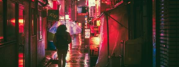 """Festiwal BUNKASAI - który wystartował 12 października - ma na celu stworzenie wyjątkowej przestrzeni dla dzieci i dla dorosłych w kręgu kultury i sztuki japońskiej. - Chcemy, aby podczas festiwalu każdy mógł znaleźć dla siebie inspiracje, pozytywne więzi, nowe możliwości i twórczą energię. Poszukując piękna, autentyczności i lokalności kultury i sztuki, wspieramy """"Nowy Japonizm"""", który wzbogaca nasz światopogląd i życie codzienne - mówią pomysłodawcy.  Festiwal jest bardzo różnorodny, w jego programie znajdziemy:  • wystawę młodych artystów i projektantów • pokazy japońskich technik specjalnych • warsztaty (artystyczne / rękodzieła japońskiego / dla małych dzieci / tradycyjnej gry japońskiej)  • wykłady i prezentacje • pokazy filmów • stoiska gastronomiczne i sklepowe • koncerty muzyczne i występy taneczne   Kiedy: niedziela o 11:00 – 21:00 Wszystkie wydarzenia są bezpłatne i odbywają się w kilku lokalizacjach Warszawy."""