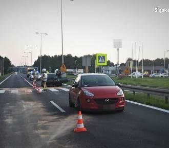 Wypadek na DK81. Samochód wjechał w matkę i troje dzieci