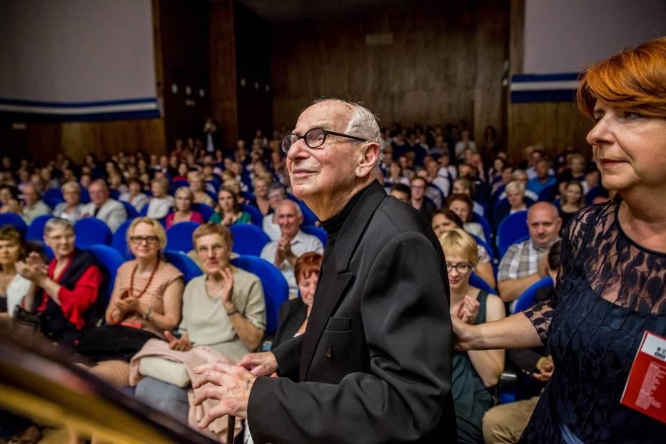 Józef Wiłkomirski obchodzi dzisiaj (15 maja 2017 r.) swoje 91 urodziny. Dostojnemu jubilatowi życzymy przede wszystkim zdrowia oraz wszelkiej pomyślności