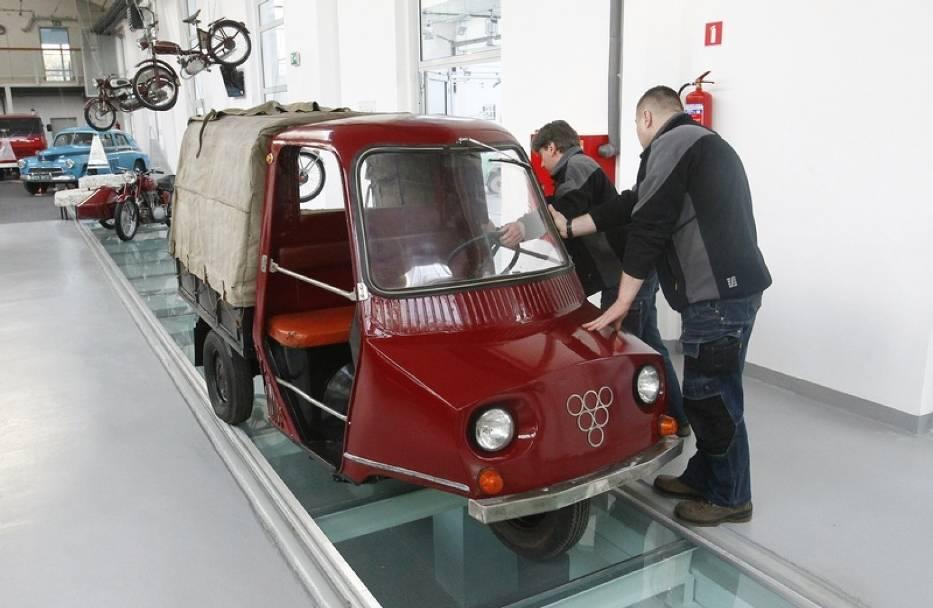 To jedyny prototyp nietypowego junaka B23, który powstał w Szczecińskiej Fabryce Motocykli. Od dziś można go podziwiać w zbiorach Muzeum Techniki i Komunikacji Zajezdnia Sztuki.