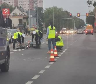 Wypadek w Stargardzie. 29-latek na rowerze wjechał pod samochód