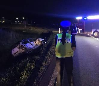 Wypadek w Podaninie. Samochód osobowy zderzył się z ciężarówką, ucierpiała młoda kobieta