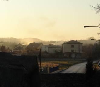 Smog dusi niemal całą Małopolskę. Przerażająca czarna lista