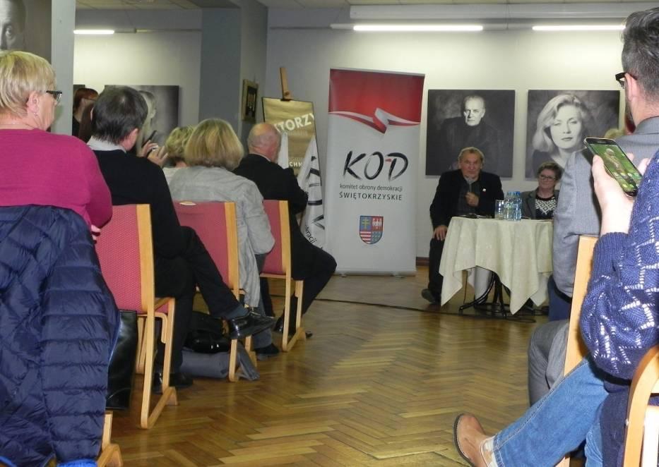 'Od KOR-u do współczesności' - spotkanie z Henrykiem Wujcem w Ostrowcu Świętokrzyskim