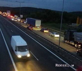 Kraków. Zderzenie dwóch samochodów na obwodnicy