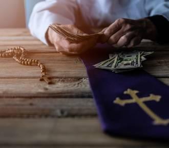 Ile emerytury dostają księża na Pomorzu? Jaka jest najwyższa kwota?
