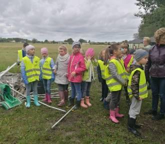 Ostrowiec: Szkoła uczestniczyła w Sprzątaniu Świata [ZDJĘCIA] - 2019 r.