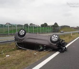 Wypadek na autostradzie A1 w Połomi. Cztery osoby ranne. Kierowca zasnął za kierownicą?