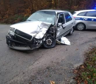 Zderzenie samochodu osobowego i ciężarowego na drodze między Sopieszynem i Wejherowem [ZDJĘCIA]