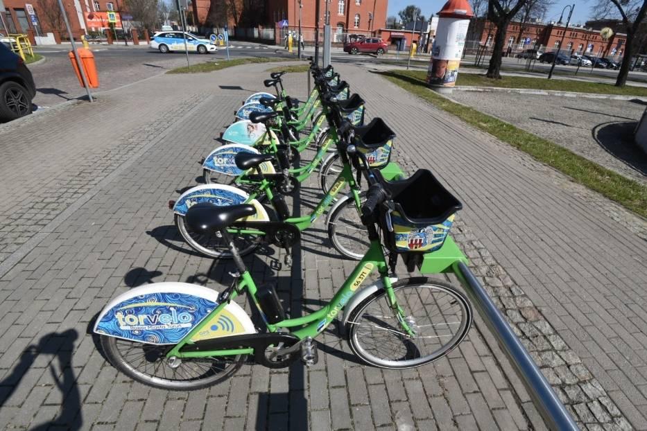 Jak korzystać z roweru miejskiego?Aby wypożyczyć rower miejski, musimy zarejestrować się na stronie internetowej torvelo