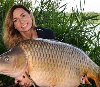 Polka łowi gigantyczne ryby! Piękna Monika i jej okazy