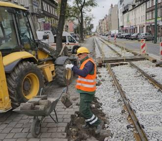 Trwa remont Dąbrowskiego. Zobacz najnowsze zdjęcia