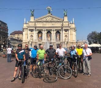 Pojechali rowerami do Baru, by uczcić współpracę obu miast [ZDJĘCIA]