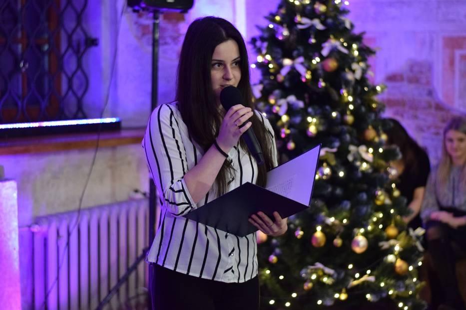 Zobaczcie zdjęcia ze świątecznego koncertu poetyckich pieśni o Bożym Narodzeniu, kolęd i pastorałek w pięknej sali kamienicy Rynek 6