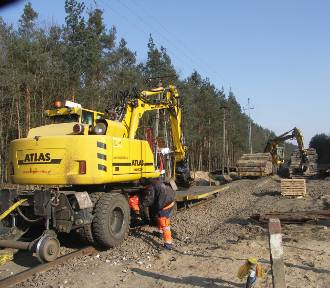 Zaawansowany remont torów na linii kolejowej Krotoszyn-Oleśnica [FOTORELACJA]