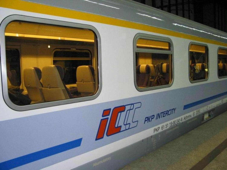 W pociągach Intercity znajdziemy ksiązki do poczytania i zabrania