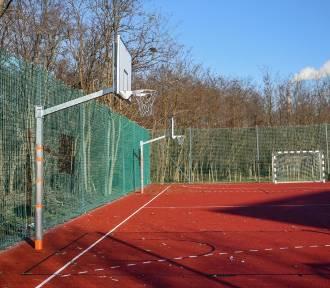 W Poznaniu zamknięto place zabaw, boiska i zewnętrzne siłownie