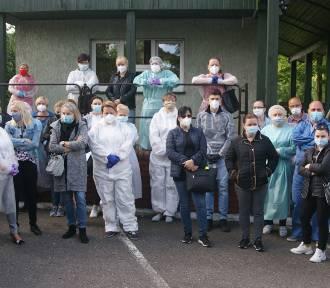 Dom Pomocy Społecznej w Kaliszu. Pracownicy domagają się zwolnienia dyrektorki placówki. ZDJĘCIA