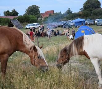 """""""Konie i Blues"""" w Jemiołowie przerwała wichura"""
