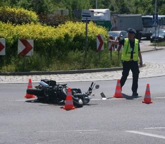 Kalisz: Potrącenie motocyklisty na rondzie Ptolemeusza. ZDJĘCIA