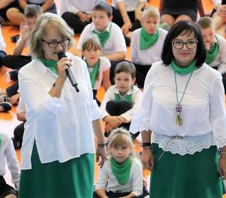 """""""Do Hymnu ..."""" w Szkole Podstawowej nr 2 w Złotowie [FOTO, WIDEO]"""